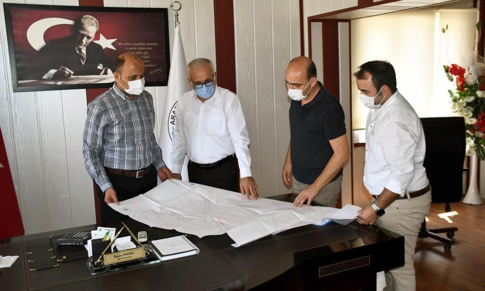 ARABAN'DA YAĞMURU SUYU İLE İÇME SUYU HATTI YENİLEME YER TESLİMİ YAPILDI