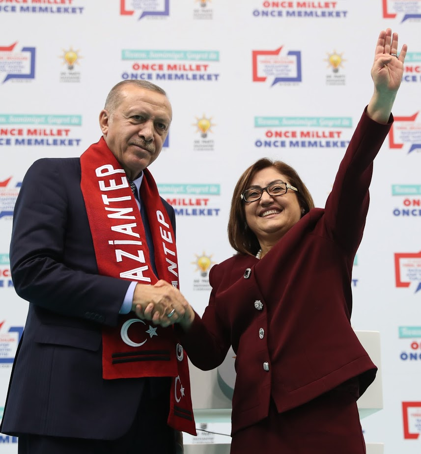 CUMHURBAŞKANI ERDOĞAN'DAN FATMA ŞAHİN'E ÖVGÜ