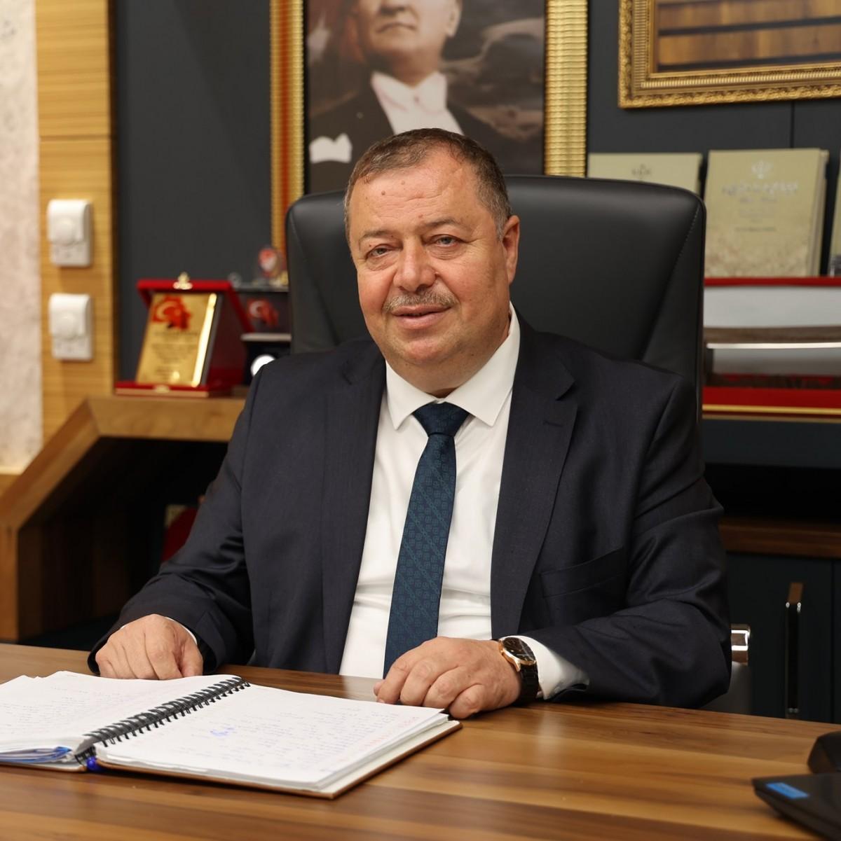 """SERVET RAMAZAN """"KURBAN BAYRAMINIZI TEBRİK EDİYORUM"""""""