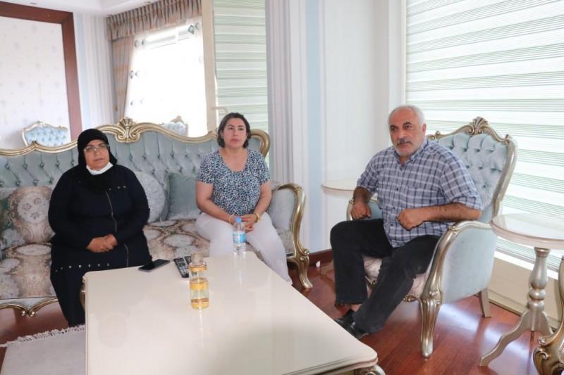 ALMANYA'DA TEK BAŞINA EVLAT NÖBETİNDE OLAN MAİDE AKTAŞ'DAN GARA ŞEHİDİNİN AİLESİNE ZİYARET